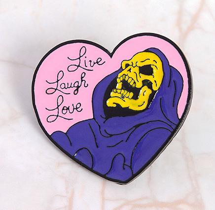 Брошь-значок «Live Laugh Love»