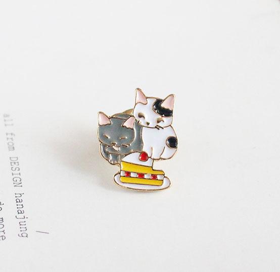Брошь-значок «Kitten's life»