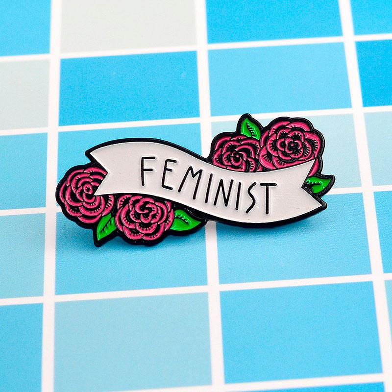 Брошь-значок «Feminist»