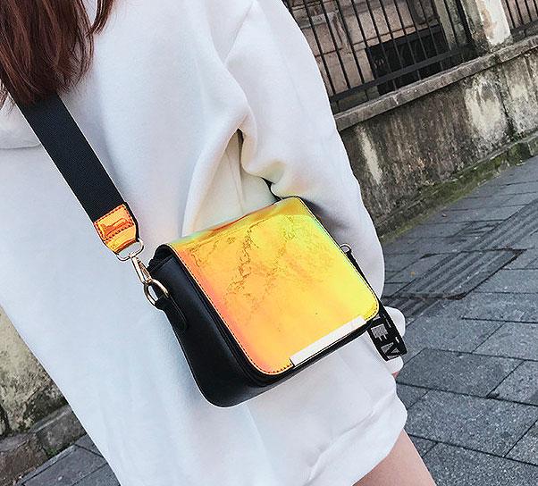 Глянцевая сумка «Love»