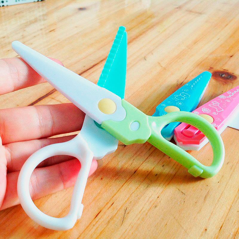 Ножницы со сменными фигурными лезвиями