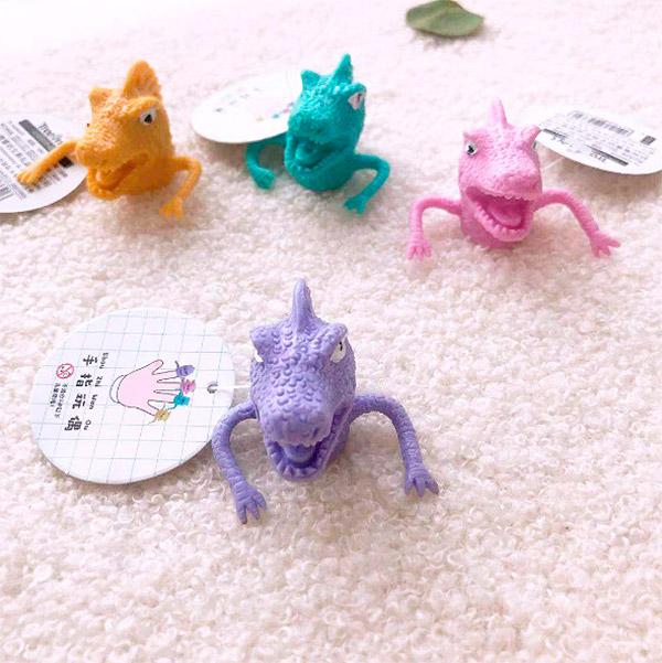 Игрушка на палец «Dinosaur»