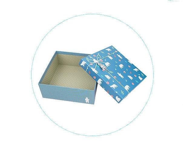 Подарочная коробка «Северный мишка» средняя