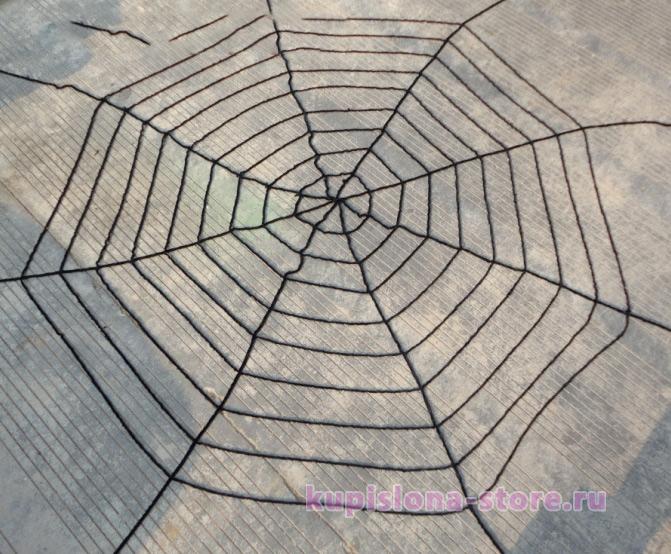 Декоративная черная паутина