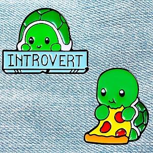 Брошь-значок «Черепашка-интроверт»