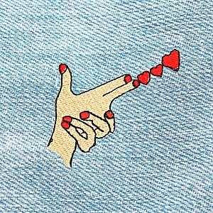 Нашивка «Give me love»