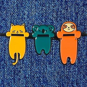 Брошь-значок «Hanging animals»