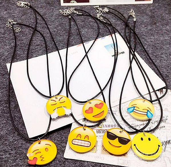 Кулон на шнурке «Emoji»