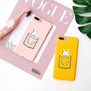 Чехол для iPhone «Зайка в кармашке»