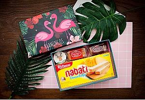 Подарочная коробка «Pink flamingo» средняя