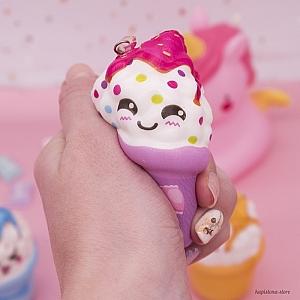 Брелок-сквиши «Счастливая мороженка»