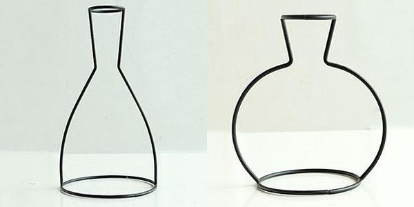 Декоративная ваза с листьями