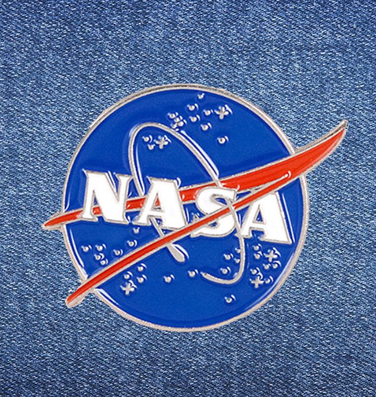 Брошь-значок «NASA»